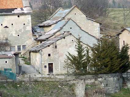 In lessinia tra malghe contrade e memorie for Casa in stile scandole